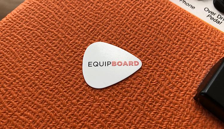 Equipboard guitar pick on Orange amp